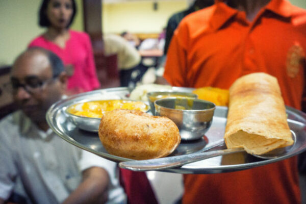 South-Indian-dosa-and-vada-in-Dubai-750x422